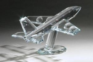 modelo de avión de pasajeros de cristal foto