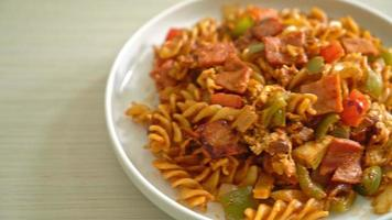 fusilli pasta with ham and tomatoes sauce video