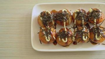 bolas de takoyaki - comida japonesa video