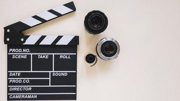 lentes de claqueta y cámara foto