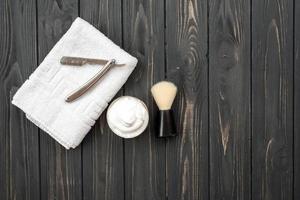 imagen de herramientas de afeitar, cepillo, espuma, afeitadora. foto
