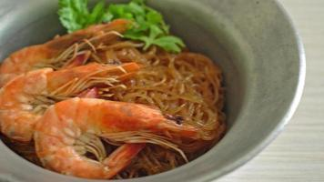 Casserole or baked shrimps with glass noodles video