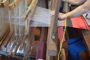 Telar de bordado de toalla de madera antigua foto