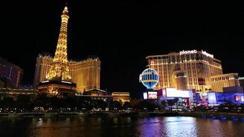 las vegas, nevada - 8 april 2014 bellagio fontäner och paris hotell - las vegas strip video