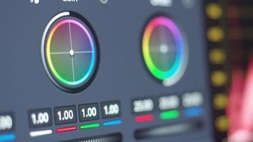 edição do controle de gradação de cores no monitor. mostrando ajustar a cor. video