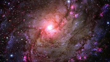 viagem de viagem espacial através do campo inicial para a galáxia espiral m83 video