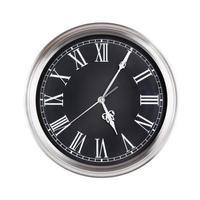 cinco minutos y cinco en el reloj foto