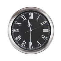 once y media en el reloj foto