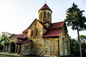 Complejo del monasterio de Betania en la montaña del Cáucaso. foto