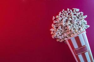 Fondo de palomitas de maíz, concepto de cine foto