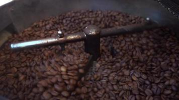 torréfacteur de grains de café frais video