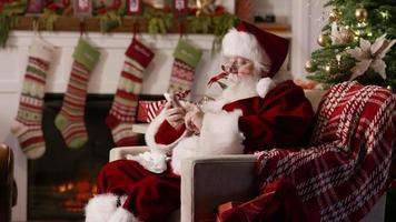 jultomten med mobiltelefon video