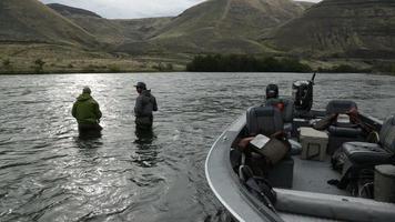 pêche à la mouche en bateau video
