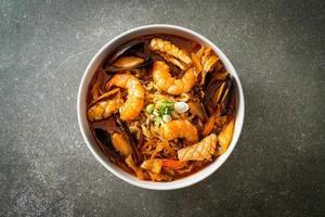 Jjamppong -  Korean Seafood Noodle Soup photo