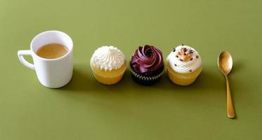 Cupcakes and coffee. photo