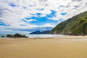 gran isla tropical natural playa ilha grande santo antonio brasil. foto