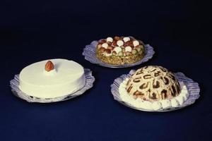 Types of pastry peculiar to Turkish cuisine photo