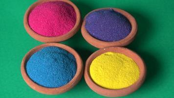 rangoli colorido para el festival de diwali en tazones foto