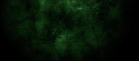 Miedo verde oscuro brumoso pared agrietada para el fondo foto