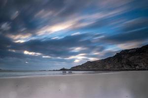 playa y cielo en fotografía de puerta lenta foto