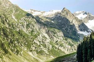kumrat valley jazz banda hermoso paisaje montañas vista foto