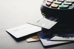 pago con tarjeta de crédito, compra y venta de productos foto