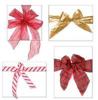 hermosos regalos de navidad con arcos foto