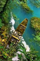 Vista desde el puente de cristal en el Gran Cañón de Zhangjiajie en Sanguansi China foto