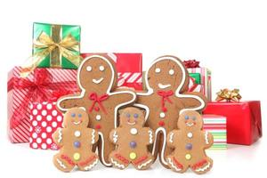 familia de pan de jengibre en navidad foto