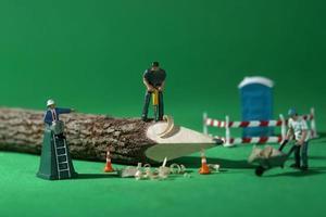 Trabajadores de la construcción en imágenes conceptuales con lápiz foto