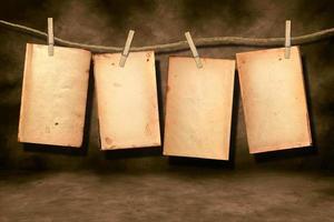 angustiado, gastado, libro, páginas, colgando foto