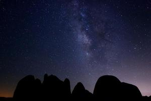 larga exposición de la galaxia de la vía láctea foto
