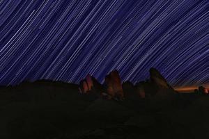 senderos de estrellas en el parque nacional joshua tree foto
