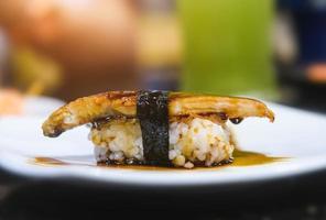 anguila japonesa a la parrilla o sushi unagi. foto