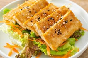 teriyaki tofu salad with sesame photo