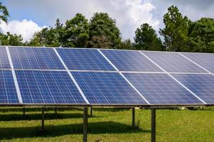 Special solar cells that have To change energy from sunlight Into electrical energy Clean energy That is environmentally friendly photo