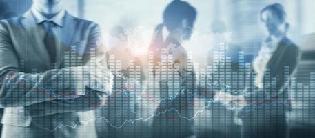 tabla de gráfico de negocios. pantalla virtual con cambios en el mercado de valores. gráfico de negocio foto