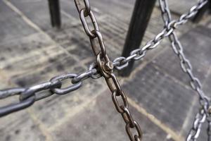 cadenas de acero al aire libre foto