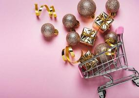Christmas shopping cart photo