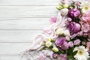 borde de flores rosadas foto