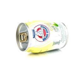 Bangkok, Tailandia - 30 de enero de 2019, los productos lácteos bajos en grasa llevan el producto de té blanco dorado de la marca en Tailandia foto