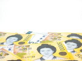Corea del Sur 50000 won billetes moneda cerrar macro aislado sobre fondo blanco, dinero coreano foto