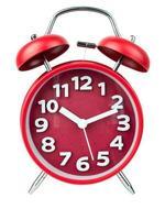 Despertador rojo, el despertador redondo rojo muestra a 10. aislado sobre fondo blanco, trazado de recorte foto