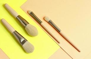 accesorio profesional beige para maquillaje foto