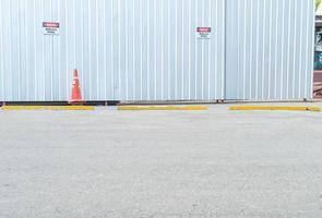 Coche de estacionamiento vacío para el fondo foto
