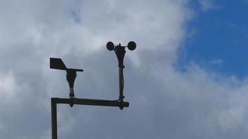windmeter of windmeter schoep draaien. video