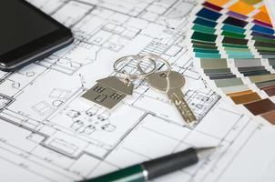 llave de la casa en plano foto