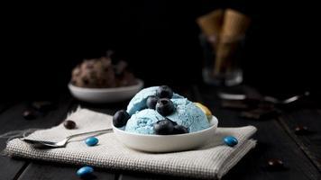 refreshing ice cream ready be served photo