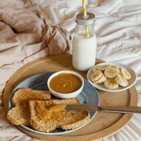 cama de desayuno sabroso de ángulo alto foto