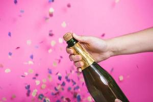 botella de apertura fiesta de champán foto